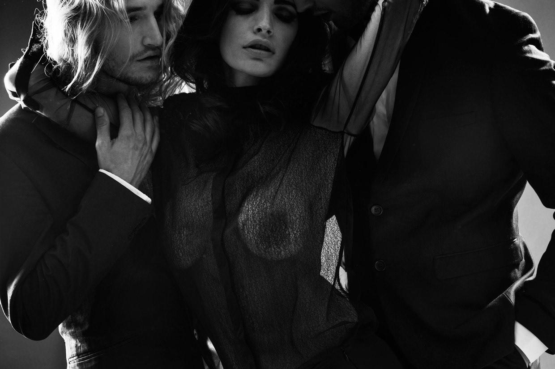 Маслом анал красивые фото эротика любовь втроем