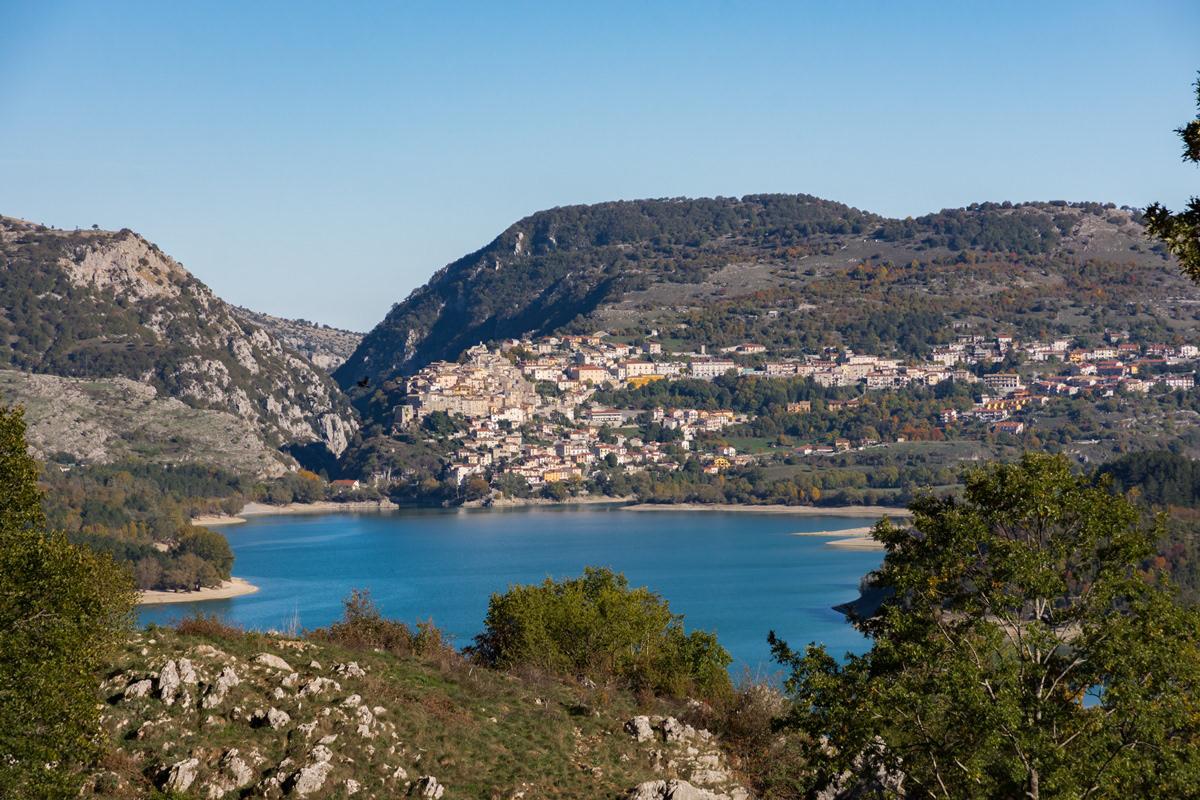 Sergio Feola Photographer - Abruzzo - Barrea e il suo lago (AQ)