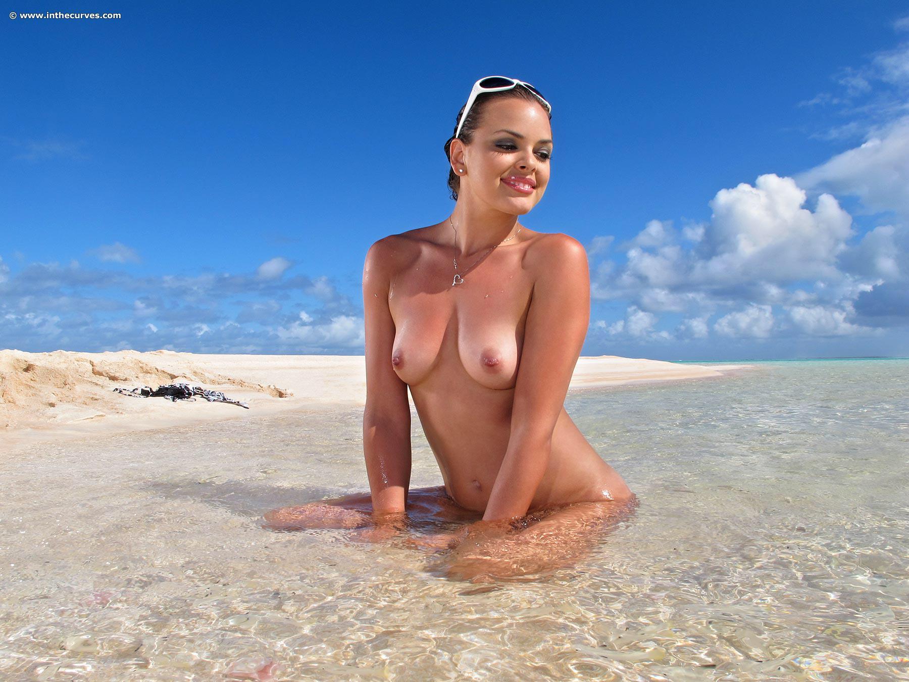 Киски на пляже фото 7