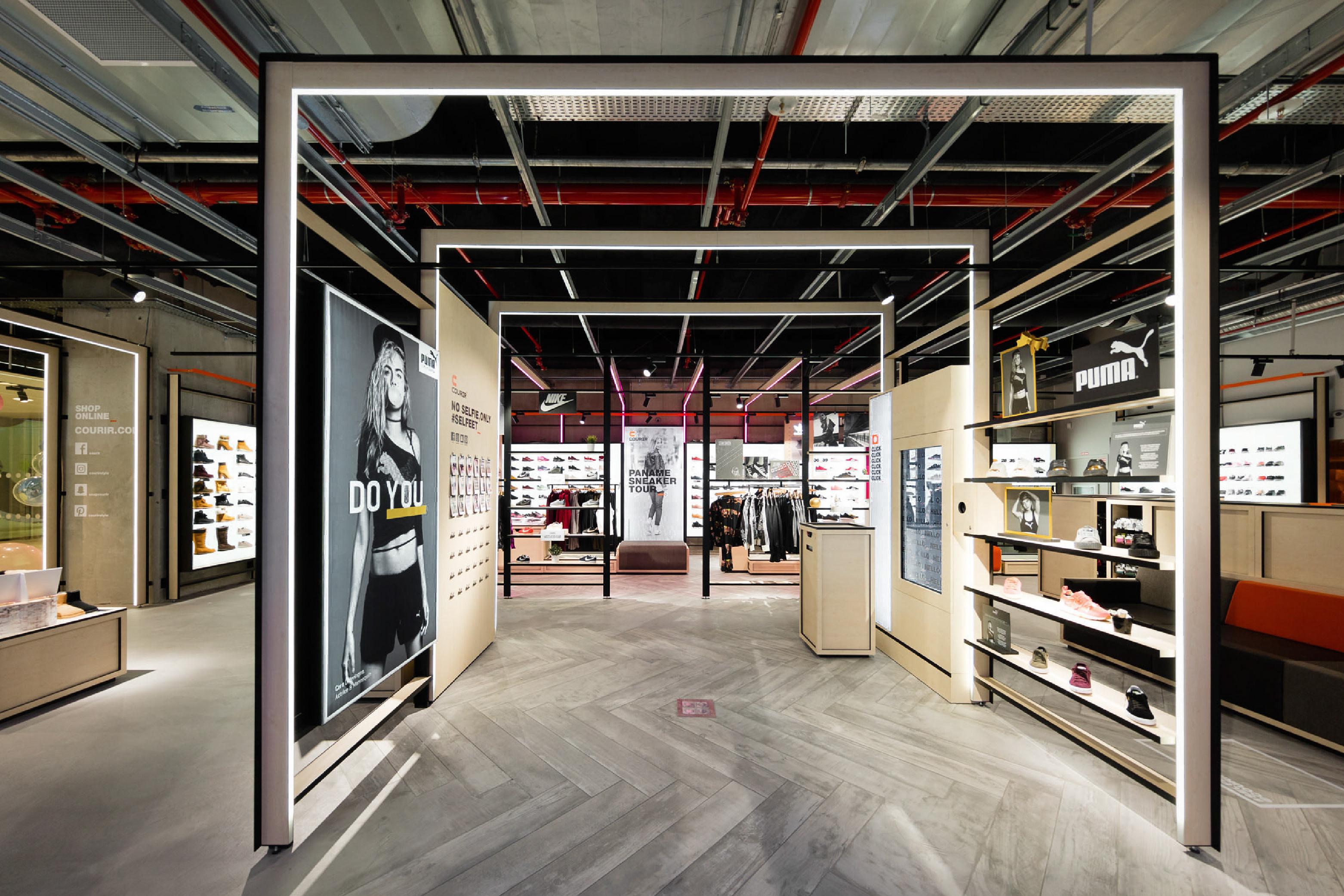 carr noir courir branding retail design. Black Bedroom Furniture Sets. Home Design Ideas