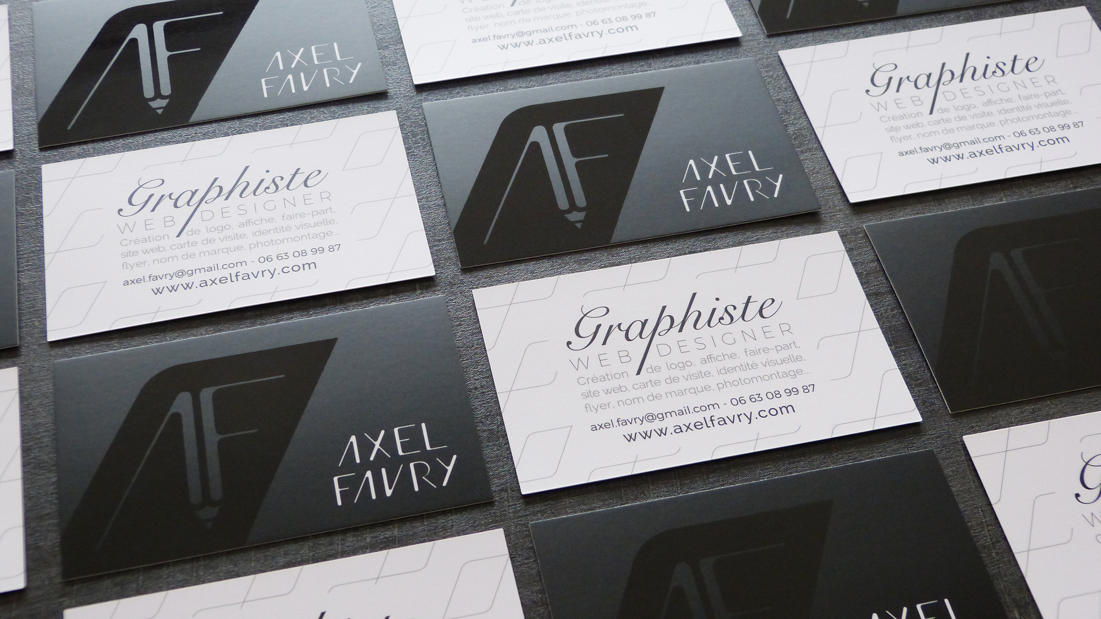 Et Dautant Plus Pour Un Graphiste Creant Lui Meme Le Design Qui La Carte De Visite Reflete A Fois Limage Son Activite Revele Image